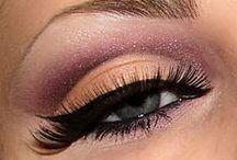 Lights, Cameras, Eyes / Eye makeup, cool looking eyes, beautiful eyes, crazy eyes, theatrical eyes / by Toni Holder