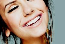 Kiss & Makeup / by Natalie Kimmel