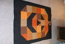 Quilts / by Leslie McConal
