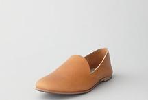 Feet / by Adhiṭṭhāna