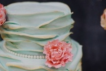 The Cake / Wedding Cakes / by Lovey Bride