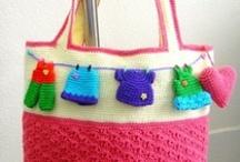 Bolsos a crochet / by Maria Jose Andrade Rodriguez