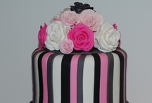 Cakes! Nom Nom Nom / by @MadeWithHugs