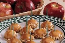 Desserts & sweets / by Joyce Sasse