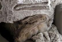 Blankets ♡ / by Jasmijn Amelie Wind