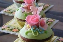 Cupcakes & cakepops / by Kenza Chan