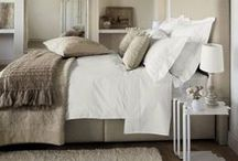 Bedrooms / Beautiful bedrooms, eye candy+ inpiration / by Leanne Johnson