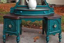 Desk/Vanity / by A Treasure Redefined