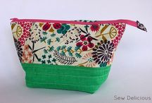 Zip Pouches : Sweet Pouch Swap Inspiration / by Roslyn {Sew Delicious}
