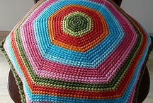 Crochet tutorials cushions / by Jeannette