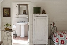 Interior / by Tiffany Trotter
