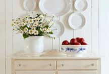 Decorating / by Melody Holloway