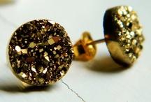 jewellery love / by Pamela Carrasco