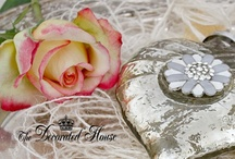 Valentine's Day & Hearts to Love / by The Decorated House ♛ Donna