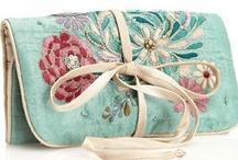 carry me - handbags & clutches / by Shalon Estrada