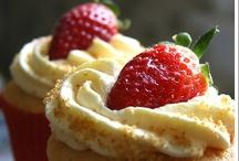Delightful Desserts / by Kristie Peterson