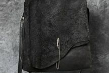 Folie des sacs... / parce que chaque tenue exige le sien! / by Sylvie-Catherine De Vailly