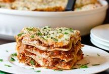 Pasta Dishes / Pasta is an easy weeknight meal that can be customized in so many different ways. / by Cassie Howard (MrsJanuary.com)