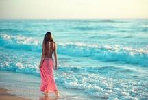 Bright & Beachy / by Maura Lynn