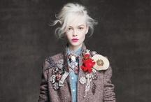 Fashion Moda Coiffe / by Leigh Ann Dufurrena
