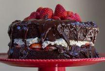 Cakes & Frostings / by Kristen Martz