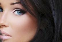 Makeup / by Beatriz