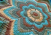 Crochet / by Molly Losing