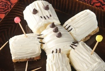 cupcakes/ cakes / by Lynn Espinoza