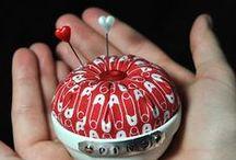 Alfileteros(pincushions) / by Sonia Lopez