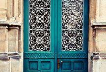 Knock Knock / Beautiful doors / by Vanessa Muro