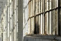 Parqué & ladrillo [] Parquet & Brick / Espacios con paredes de ladrillo y suelo de madera [] Spaces with wooden floors and brick walls.  / by Miriam Soler
