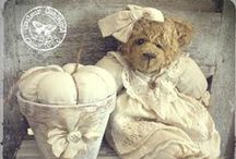 JuST TeDDieS... / teddy bears old and new / by SHaBbY StOrY