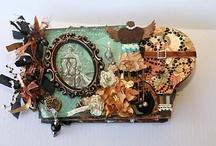 Mini Albums / by Bobbi Caswell