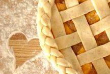 Cakes and Pies / by Elizabeth Lindberg Turner