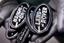 Land Rover Stuff / by Land Rover Nieuws
