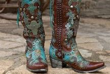 AWESOME BOOTS / by Laurita Zontek