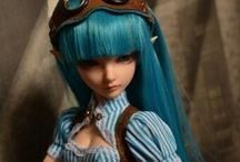 BJD's, Tonner, Blythe, Pullip, Art Dolls & Such / All the pretty dollies. / by Mary Kathryn Hodge