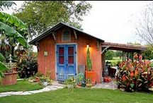 small house exteriors / by Leah Biancolin