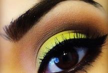 Eyes and make up / by Rossy Vazquez-Godoy