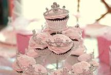 Cakes ♥ / by Kailee Brockenshire