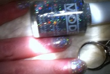 Glitter Glitter Everywhere / Sparkling awesomeness, who can live without glitter? / by MODE Cosmetics