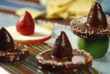 Dekorativna hrana / Pripremiti i servirati neko jelo često nije dovoljno kako bi privukli pažnju. Odvažite se i naučite raditi dekoracije od čokolade, šećera, fondan smjese, ali i uobičajenih namirnica poput povrća i grickalica. / by Coolinarika Podravka