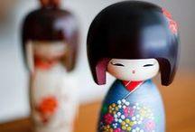 Kokeshi / Las kokeshi son muñecas tradicionales japonesas, originarias de la región de Tohoku al norte de Japón. / by Ana Belén Pazos Ruiz