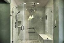The bathroom (AG) / by Andrea Guillén
