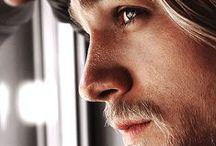 Charlie Hunnam / by Melissa Feijoo Viro