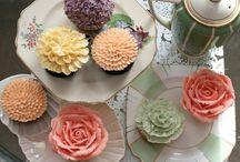 Cupcake Ideas / by Laura Schwartz