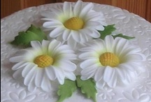 10 - Cakes: FLOWERS & BOWS / by Paula Rodrigues