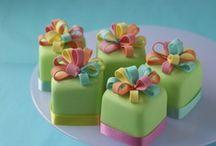 18 - Cakes: Mini Cakes / by Paula Rodrigues