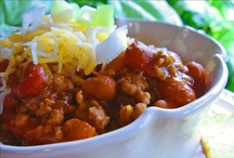 soups stews & chili / by Tammy Akins