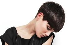 Pelo corto ♥ / ¿Quién dijo que el pelo corto es sólo para las chicas osadas y las abuelitas? No hay que temerle: es bello, práctico y recuerden ¡el pelo siempre crece! / by Solo Para Muñecas